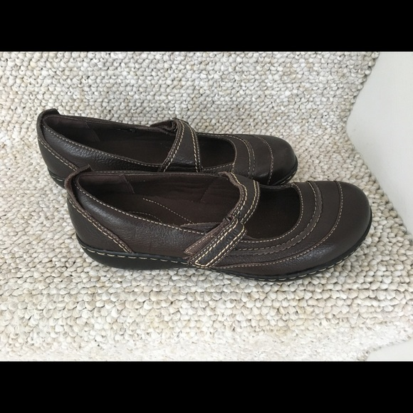 Like New Clarks Bendables Mary Janes Size 8W